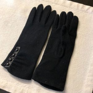 Wool cashmere blend gloves with side buttons